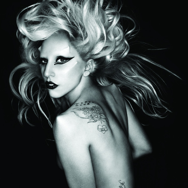 "wenn musik zur nebensache wird - ""Born This Way Ball"" Konzertkritik: Lady Gaga live in der o2 World in Berlin"